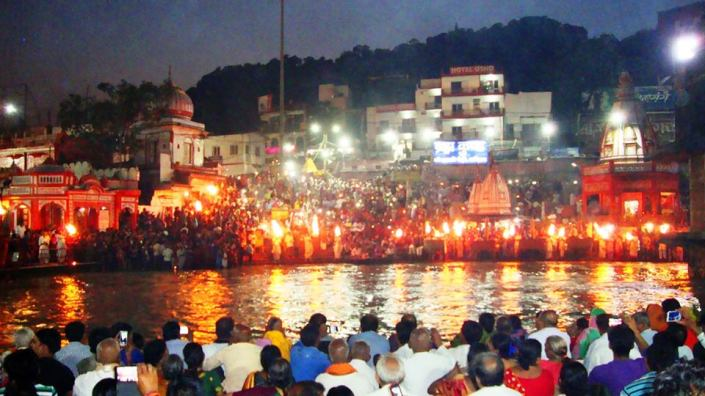 Ganga Aarti Har Ki Pauri in the evening